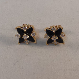 Yellow Gold Black Onyx Flower Topaz Zircon Earring